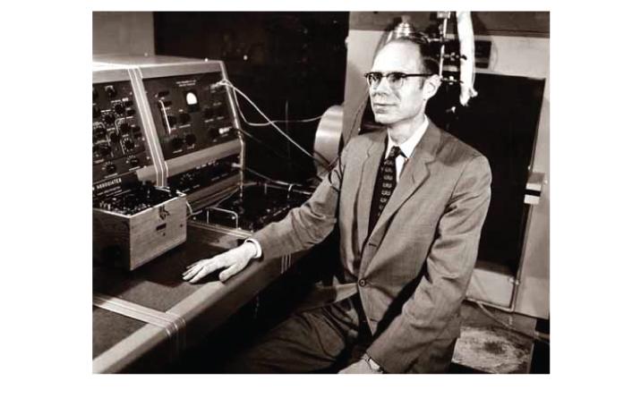 Director da ALPAC John R. Pierce