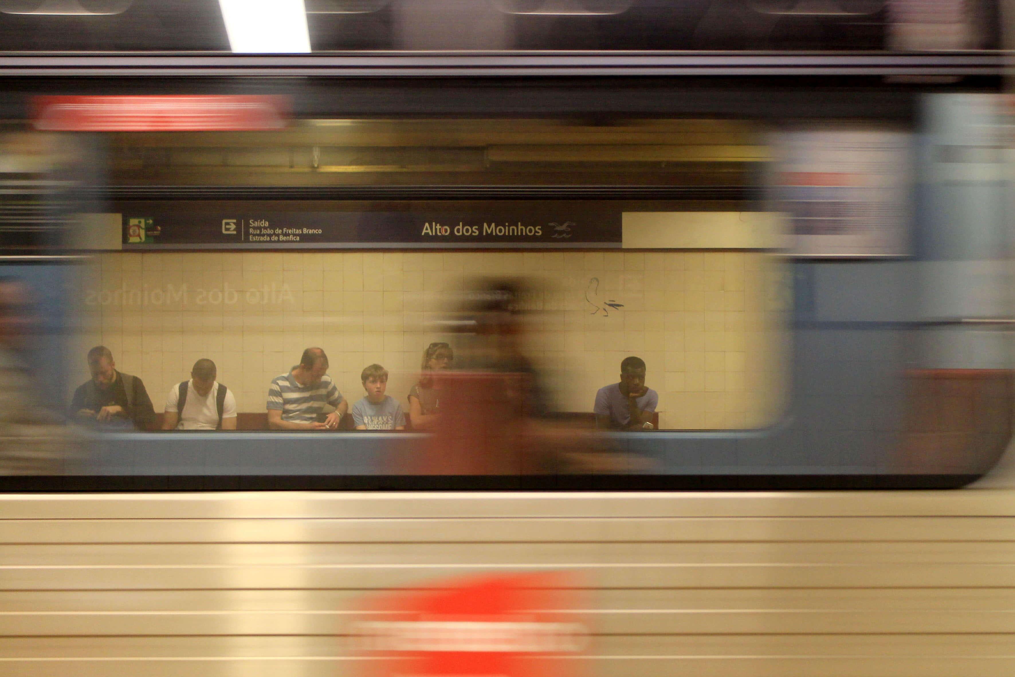 Estação do Metro do Alto dos Moinhos