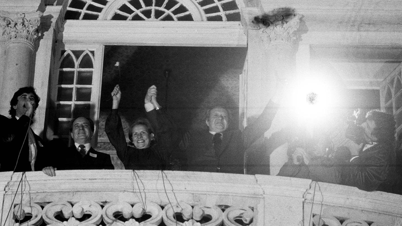 Vitória de Mário Soares nas Eleições Presidencias de 1986 (com Helena Roseta)